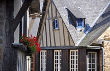 The Rue du Jerzual and the port of Dinan