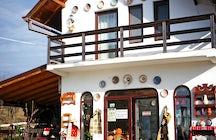 Ceramica Pietraru shop Horezu
