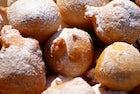 Oliebol, Dutch doughnuts
