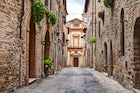 A stroll in Bevagna