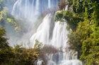 Thi Lo Su Waterfall, Um Phang