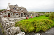 Aille River Hostel. For a cosy and intimate stay in Doolin