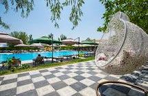 Cross Resort pool
