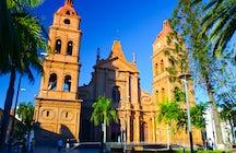 24 de Septiembre Square, Santa Cruz de la Sierra