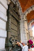 Everard t'Serclaes Monument, Brussels