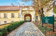 Chateau Béla, Slovakia
