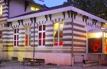 Le Hall De La Chanson