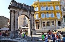 Arch of the Sergii/Zlatna vrata, Pula