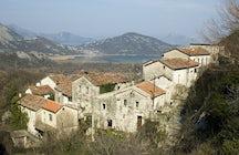 Village Godinje