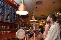 Proeflokaal Arendsnest: Craft Beer Bar in Amsterdam