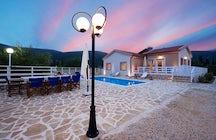 Country Style Villa Christina