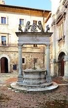 Pozzo dei Grifi e dei Leoni Montepulciano