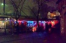 Golden Pudel: Underground Clubbing