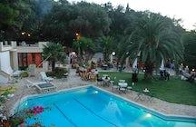 Liapades Beach Hotel - The Cricketer Taverna