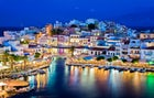 Visit Crete and its palace of Knossos, its Venetian architecture (in Chania or Rethymno) and its excursions (especially through the gorges of Samaria)