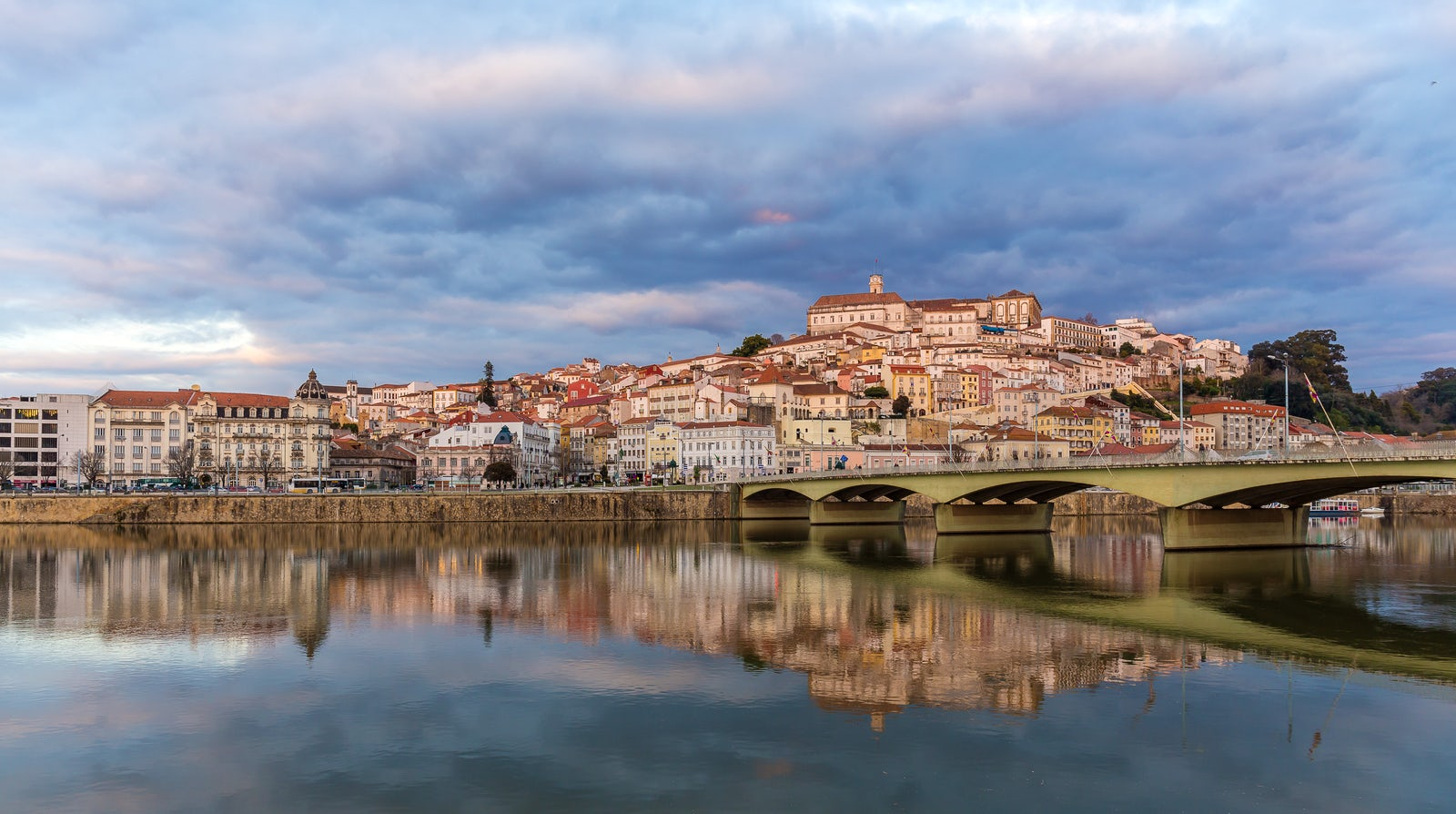 !i18n:en:data.cities:coimbra.picture.caption