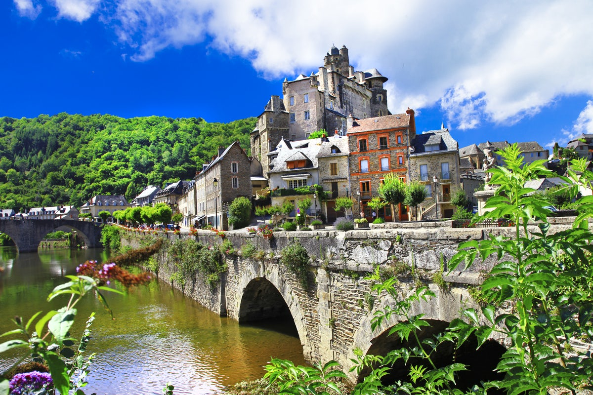 Dive deep into art & culture in France
