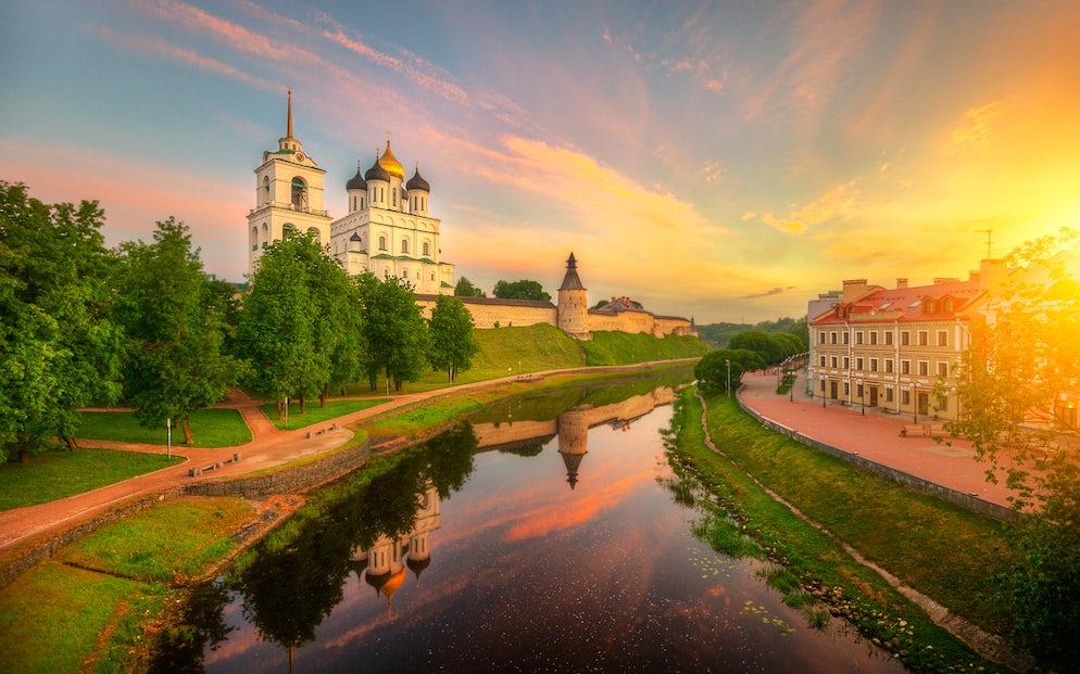 Picture © Credits to m.fonwall.ru/soroka