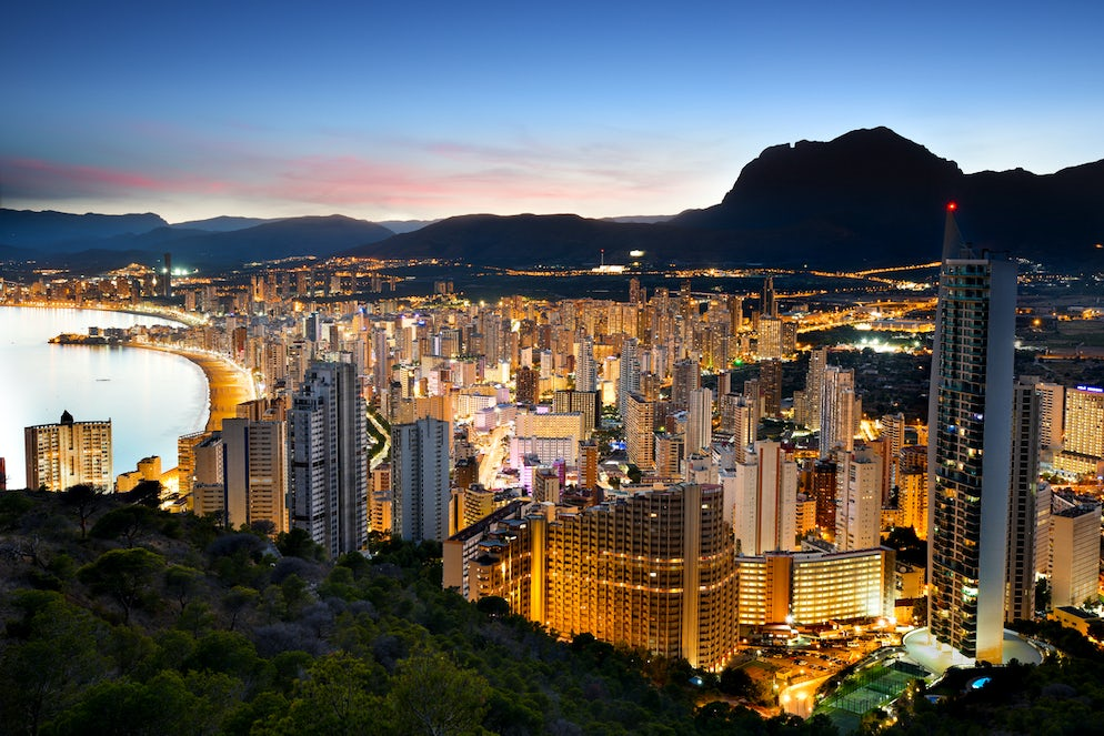 Benidorm lights at sunset - Picture © Credits to iStock/cittadinodelmondo
