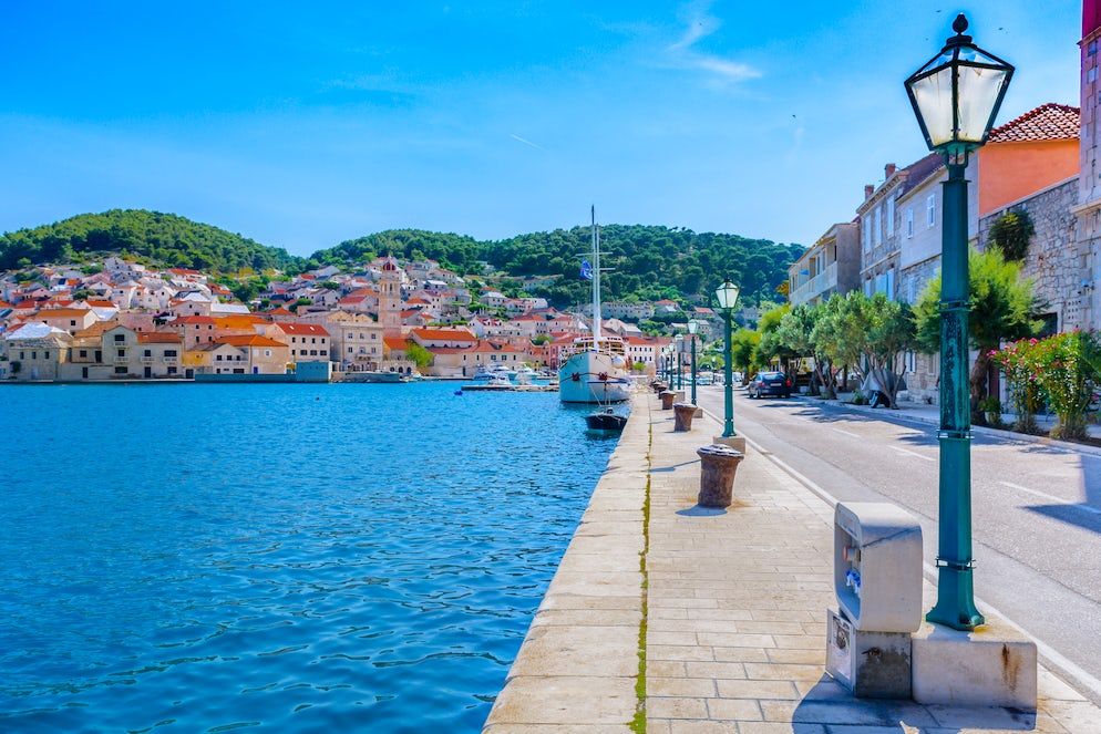 Coast of Pučišća;  Photo © credits: Dreamer4787