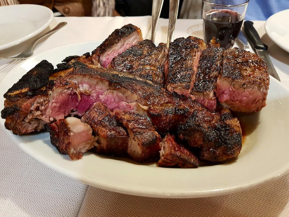The steak at Ristorante del Fagioli | Photo: Vy Dan Tran
