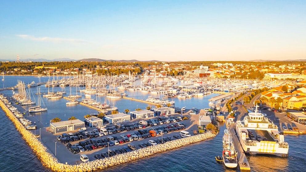 Port in Biograd; Photo © credits: aerocaminua