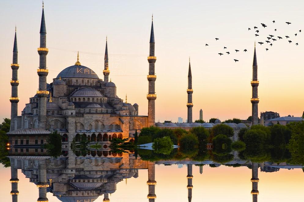 Estambul : La historia de dos tierras