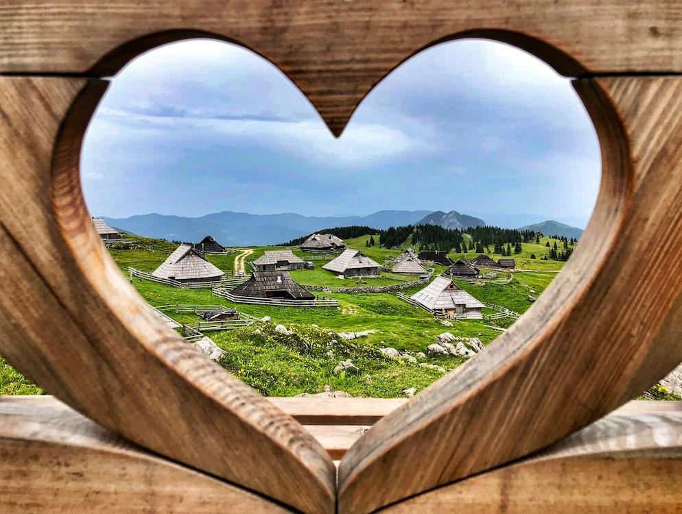Picture © Credits to: Facebook / Pravljica/Fairytale - Velika planina