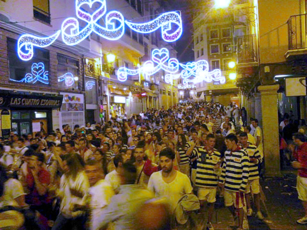 Picture © Credits to Adam L. Maloney (Huge crowds of people fill the streets in Teruel during the fiesta)