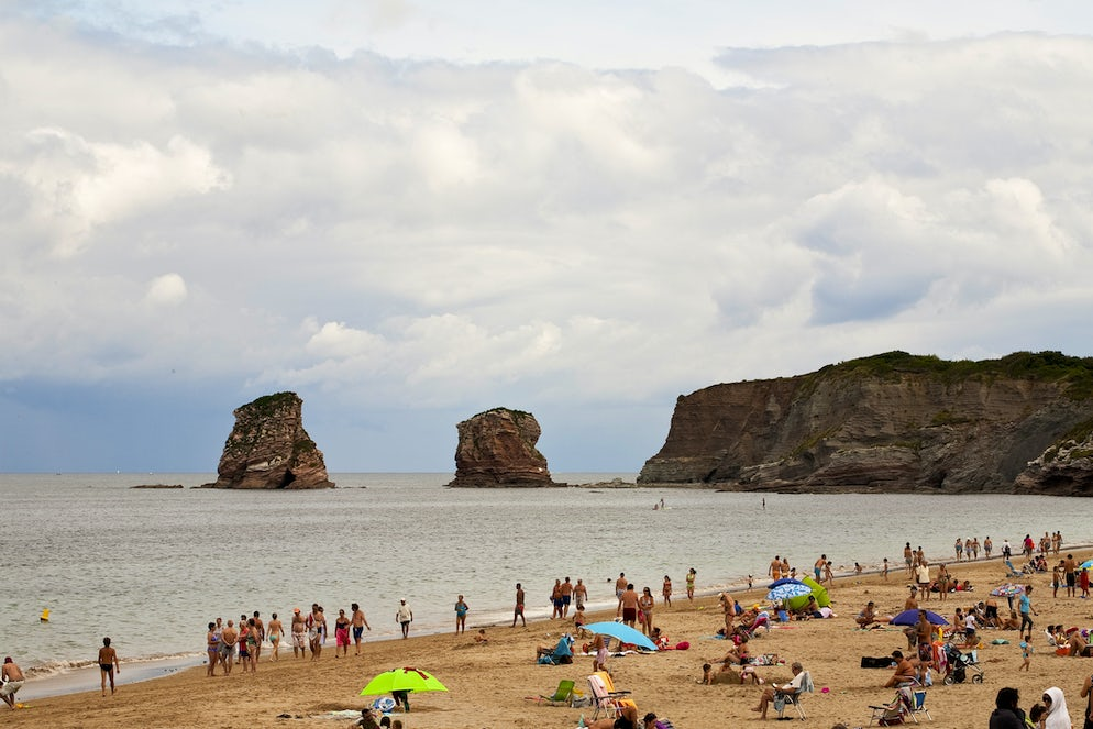 © janecampbell21 (The beach of Hendaye with Les Deux Jumeaux in the background)
