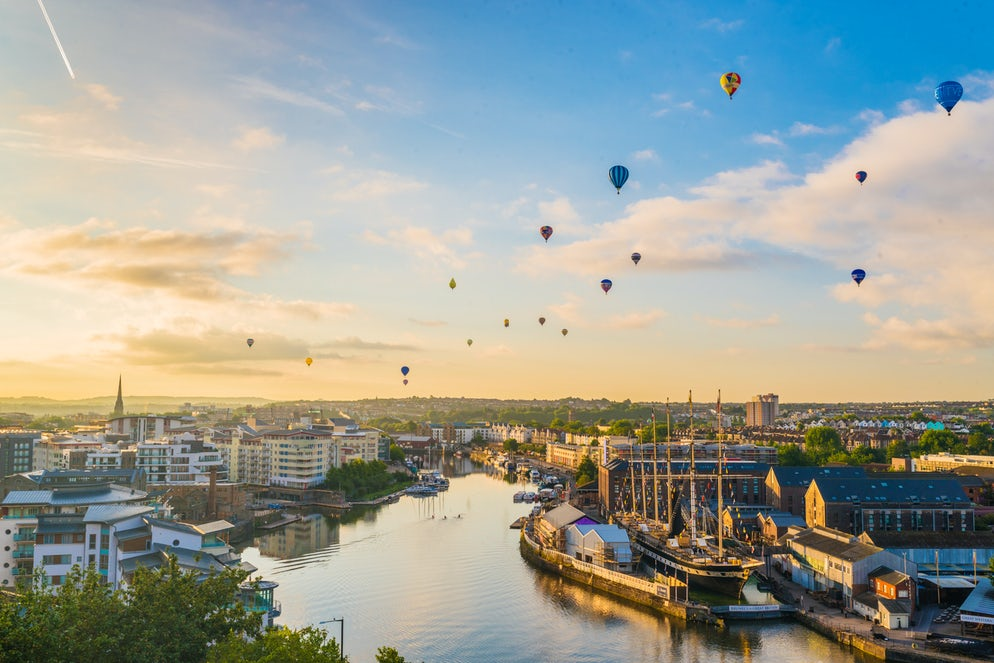 Bristol international balloon fiesta from harbourside - Picture © Credits to iStock/NXiao
