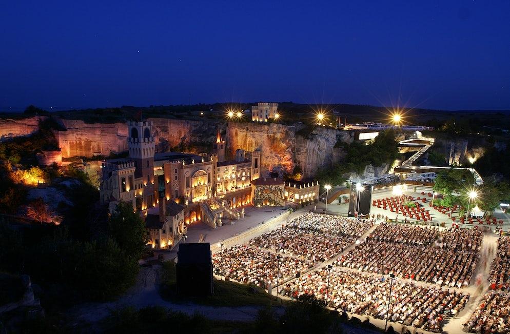 Photo © Credits to wikimedia/Opernfestspiele