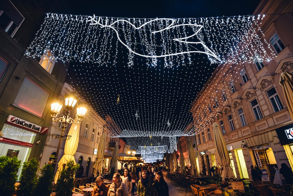 Christmas decoration in Novi Sad © Credits to krugli