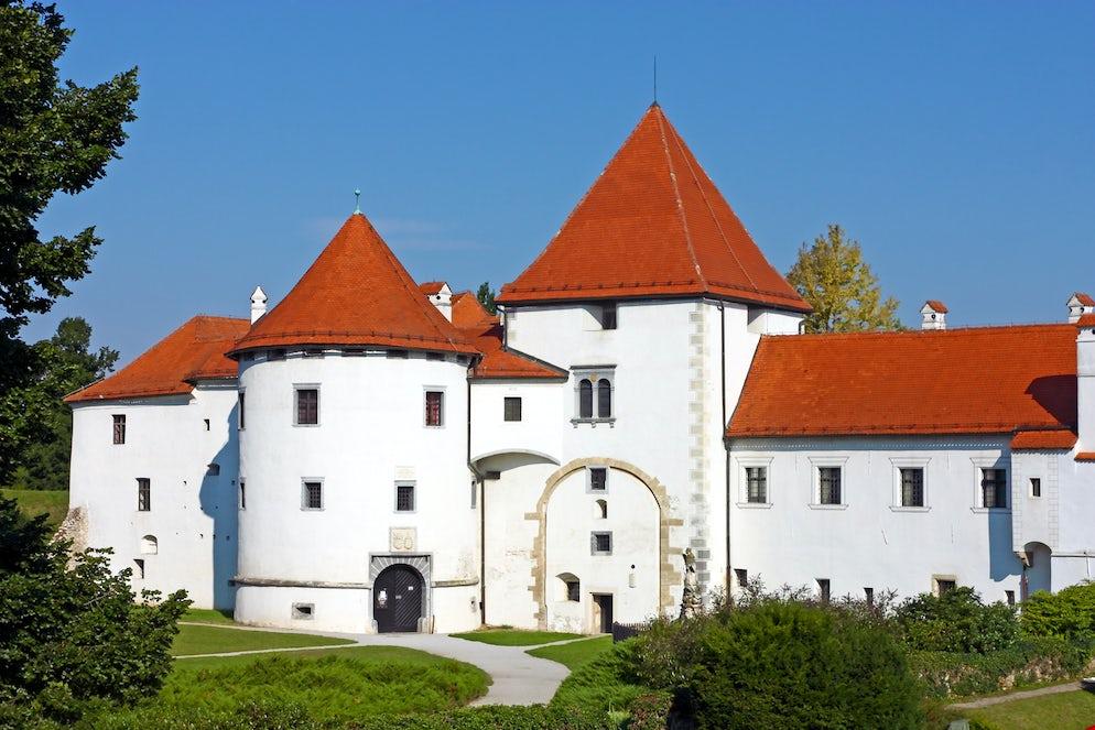 Varaždin old town; today The City Museum, Photo © credits: Boris25
