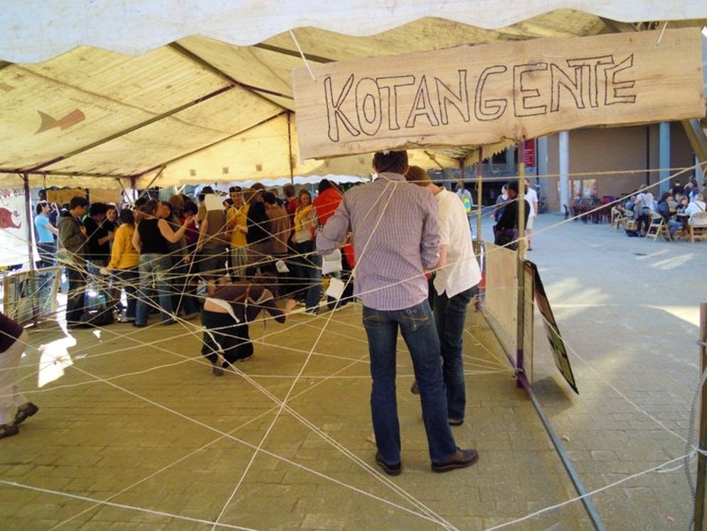 The Kot-à-Projet show their projects on a local fair. Picture © Credits to Jérémy Coppe