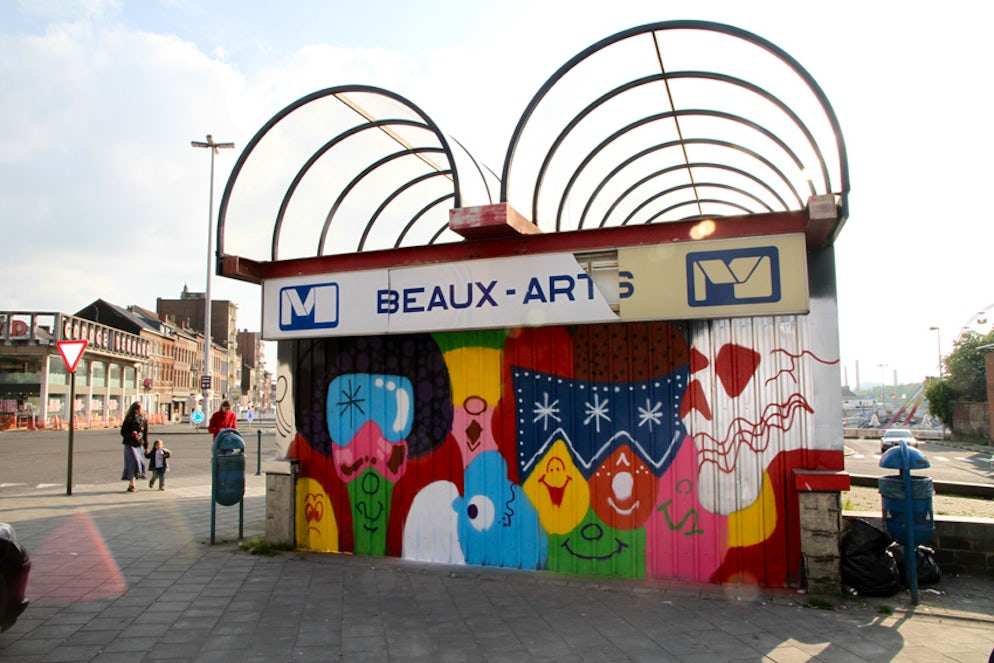 Todd James's artwork on the metro station Beaux-Arts © To Wikipédia/RaphaelCruyt