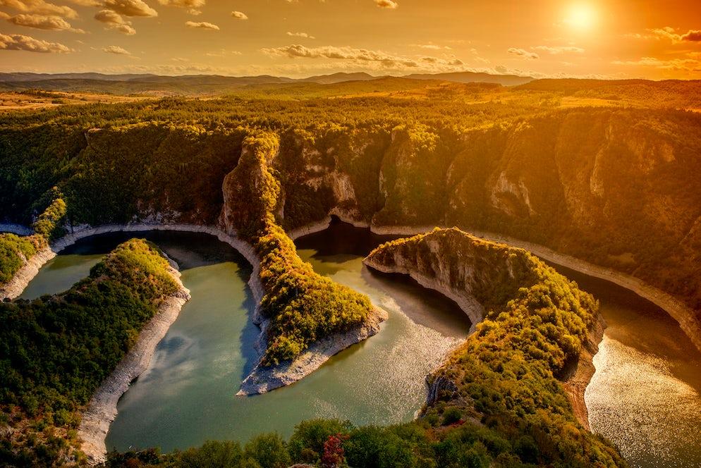 Scenery at river Uvac © Credits to beronb