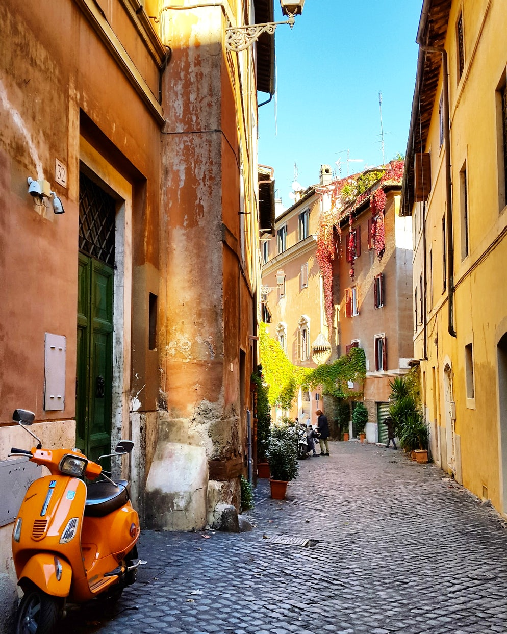 A beautiful corner, Trastevere. Photo © Vy Dan Tran.