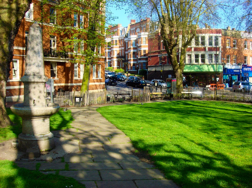 Picture Credit: © Panhard/Creative Commons (West End Green, a small but pleasant green space in West Hampstead)