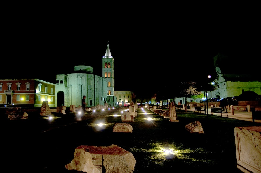 Roman Forum in Zadar by night; Photo © credits: AnjoKanFotografie