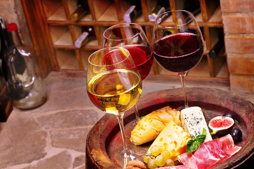 Wine and food; Photo © credits: freeskyline