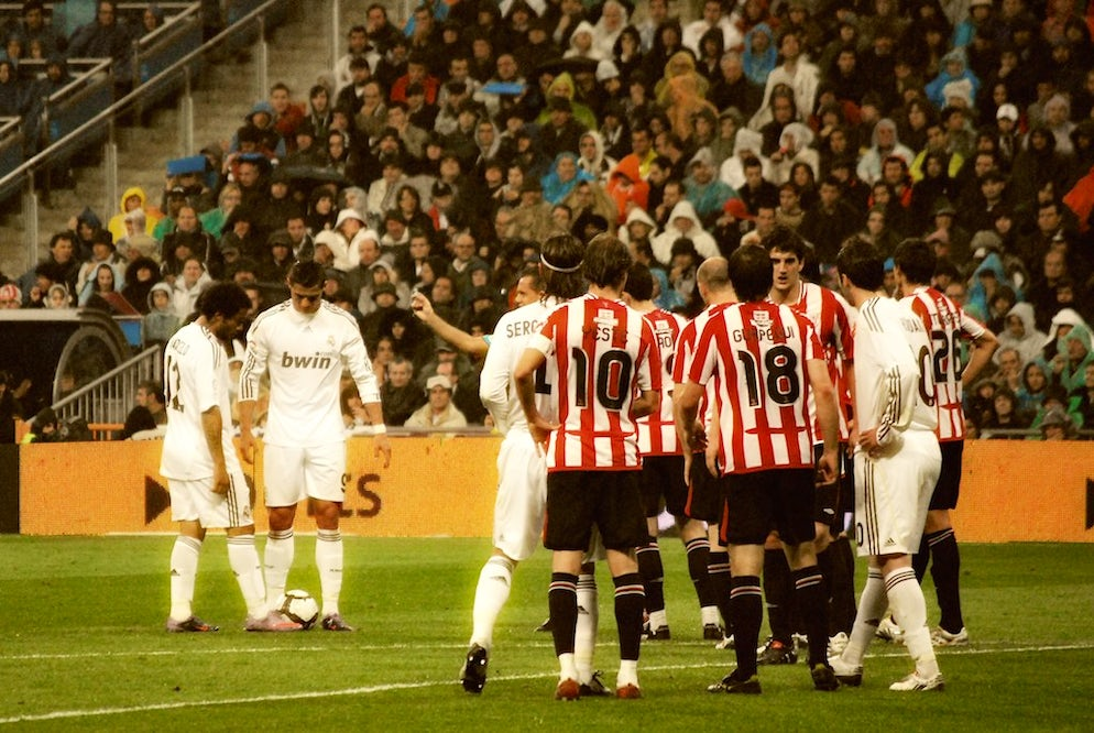 © Jan SOLO (Athletic Bilbao defending a free-kick from Real Madrid's Cristiano Ronaldo)