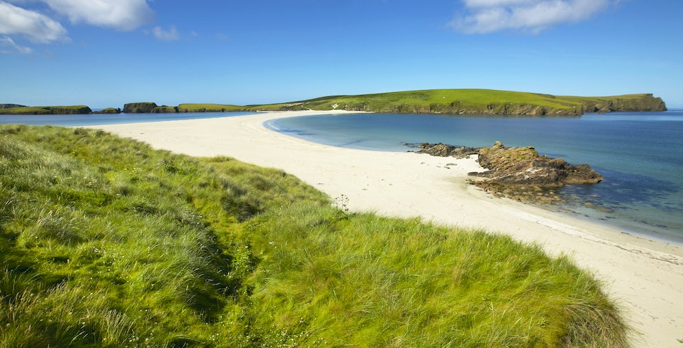 Tombolo and beach in Bigton and St Ninian. Shetland - Picture Credits to ABBPhoto