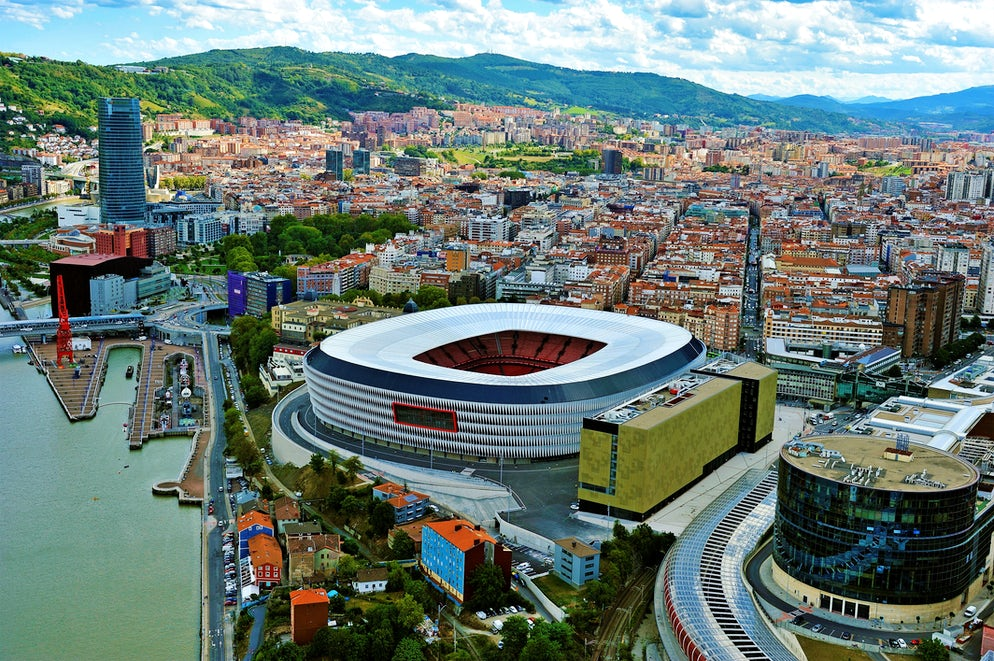 © Mikel Arrazola (Sam Mamés Stadium in the heart of Bilbao)