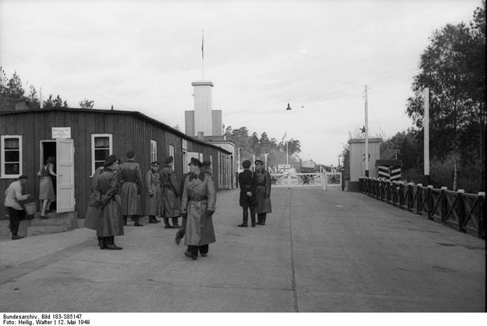 Picture © Credits to Wikipedia/Bundesarchiv, Bild 183-S85147 / Heilig, Walter / CC-BY-SA 3.0