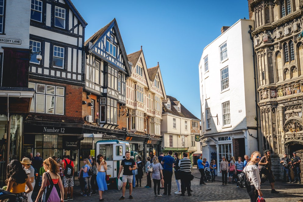 © Paolo Paradiso (Historical streets in the old town of Canterbury)