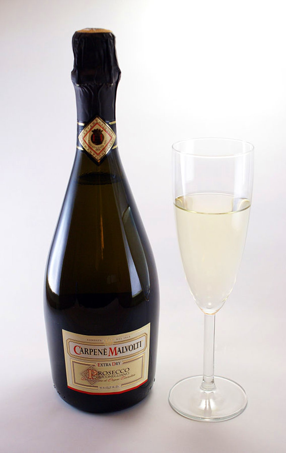 Prosecco bottle, Picture © Credits to Wikipedia/Sandstein