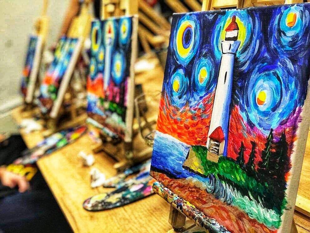 © Facebook.com/dalivino.art.gallery