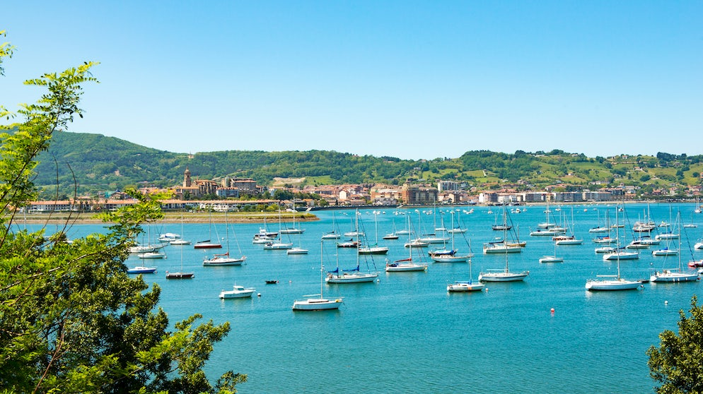 © philipimage (A view of Hondarribia in Spain taken from the port of Hendaye of France)