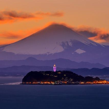Enoshima eiland: heiligdommen, grotten & uitzicht op Mt. Fuji